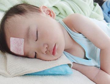 Cách chăm sóc trẻ khi bị sốt tại nhà